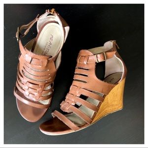 size 9 tan wedge sandals